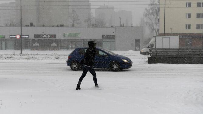 Pogoda na dziś: dzień pod znakiem chmur i śniegu